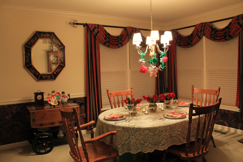 Carly-is-Inspired-Christmas-Tablescape-5